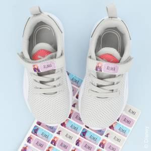 Märk skorna med Frost namnlappar