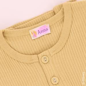 Märk kläder och saker med prinsessnamnlappar